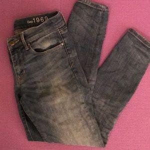 Gap jegging jean skinny size 27